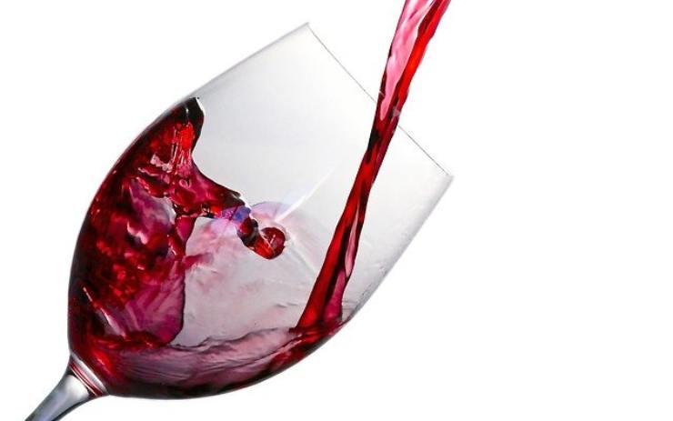 bere un bicchiere di vino al giorno