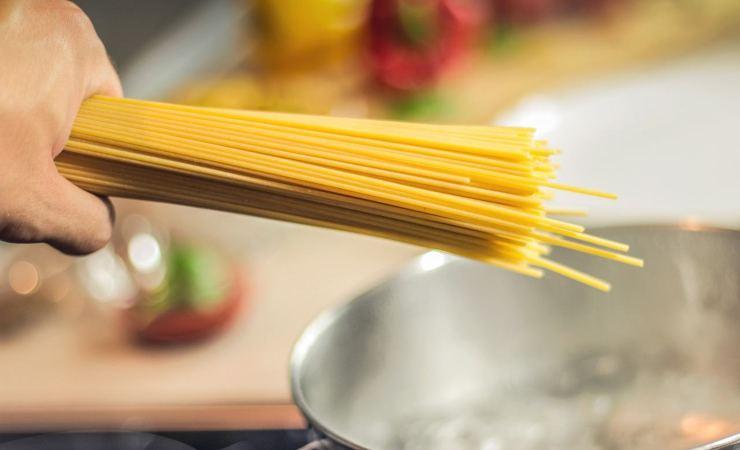 frittata spaghetti senza uova
