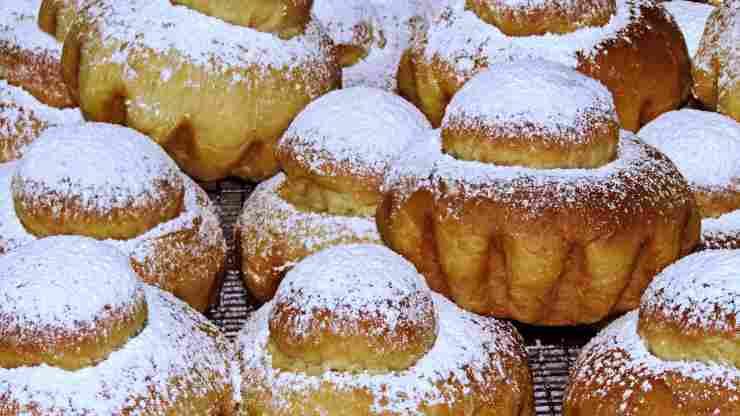 croissant cornetto brioche