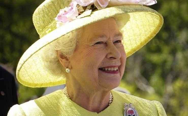 Regina Elisabetta mangiare
