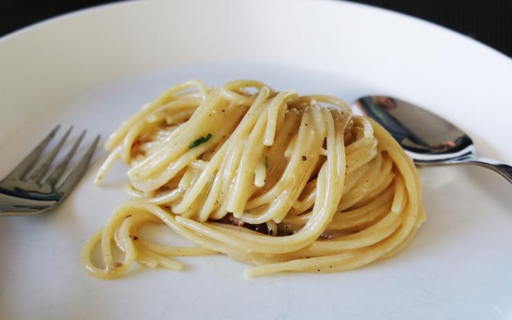 mangiare la pasta