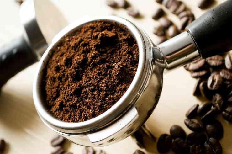 utilizzare fondi di caffè